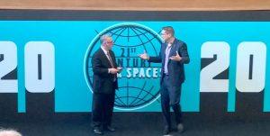 Von rechts nach links: Landesk CEO Steve Daly mit CMO Steve Morton während ihrer Keynote bei der Landesk Connect 2016