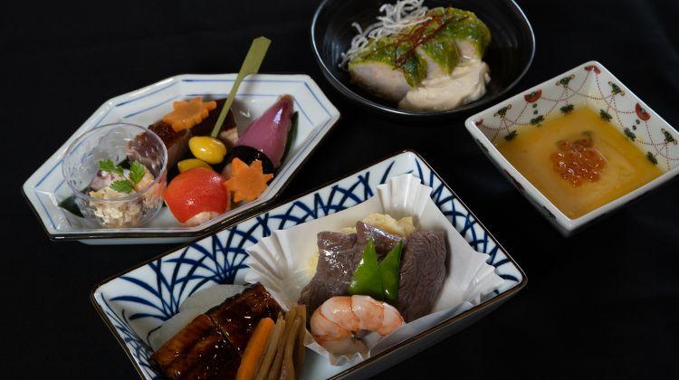Ab Herbst gibt es in der Business Class auf Flügen von Deutschland und Belgien nach Japan ein vom japanischen Sushi-Meister Hiroshi Sakai kreiertes und inspiriertes Menü - Foto: ANA