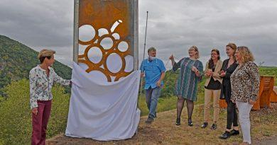 An der Nahe - Enthüllung der Stele Weinsicht - Foto: Norbert Krupp