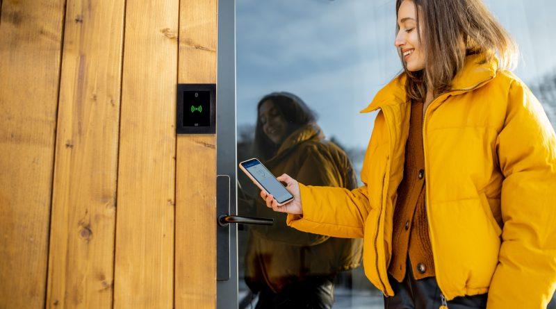 Mobile Credentials versus Gesichtserkennung bei der Zugangskontrolle